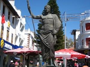 Памятник основателю Анталии - Атталу II