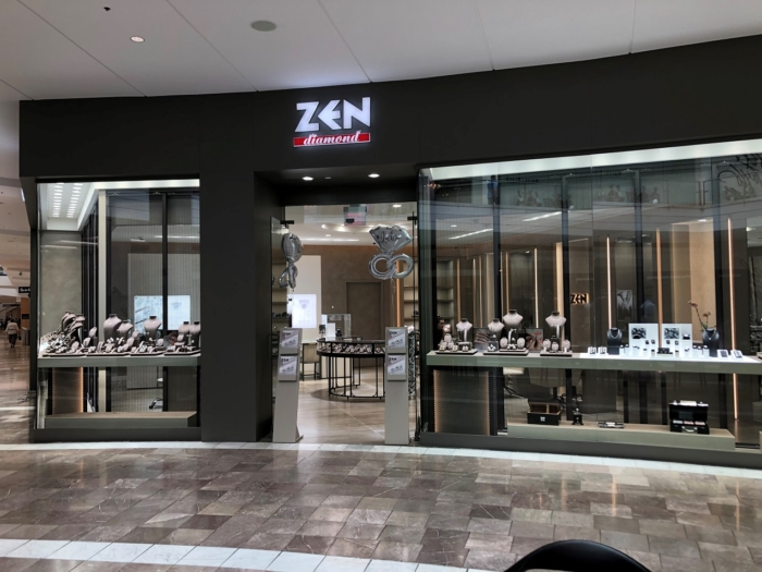 Украшения из бриллиантов на витрине Zen Diamond