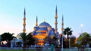 Мечеть Султанахмет (Голубая мечеть) - символ духовенства