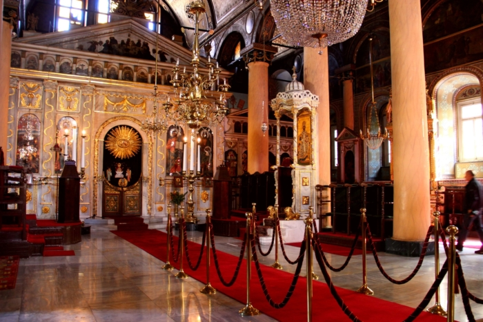 Внутреннее убранство Храма Живоносного Источника в Стамбуле