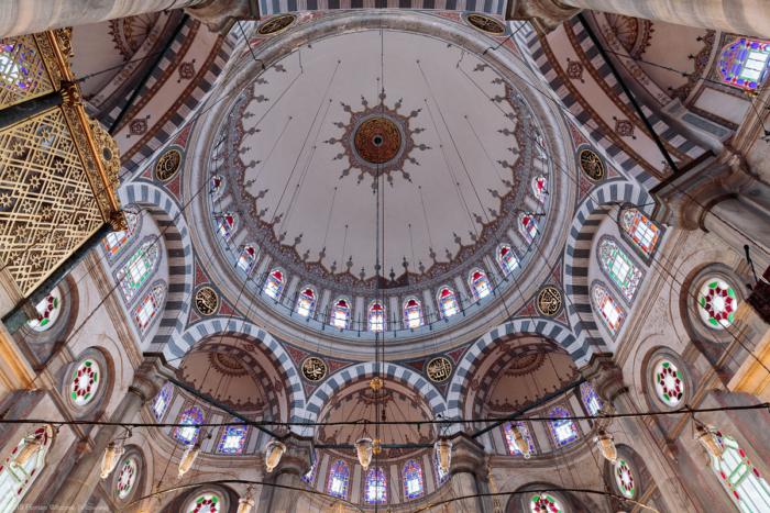 Купол мечети изнутри