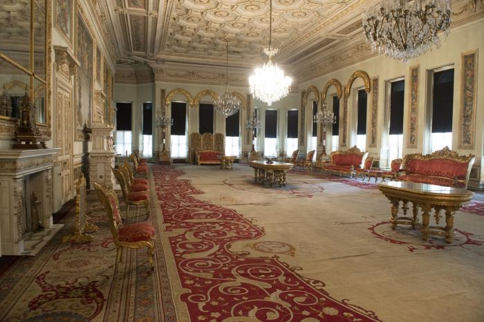 Зал для приема важных гостей во дворцовом комплексе Йылдыз в Стамбуле