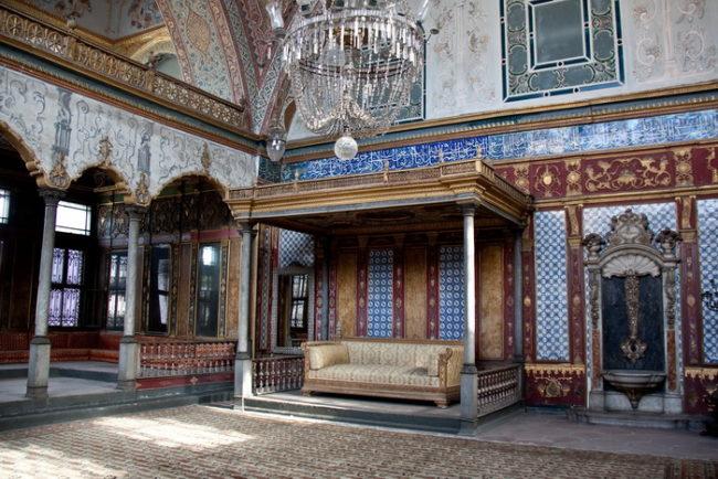 Дворец Султана Сулеймана в Стамбуле: фото внутри и снаружи