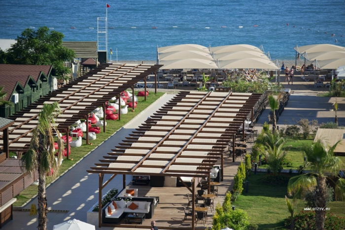 Рестораны под открытым небом на территории Novia Dionis Hotel Resort Spa 5 в Белеке