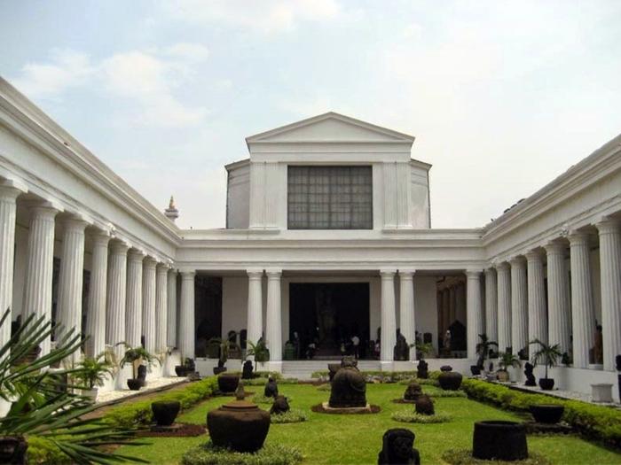 Здание национальной галереи Джакарты