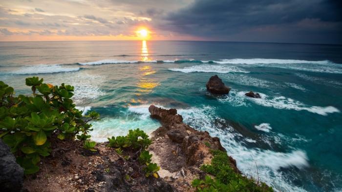 Закат в Балийском море