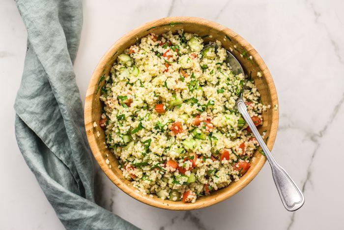 Вкусный и питательный салат Табуле с кускус и овощами