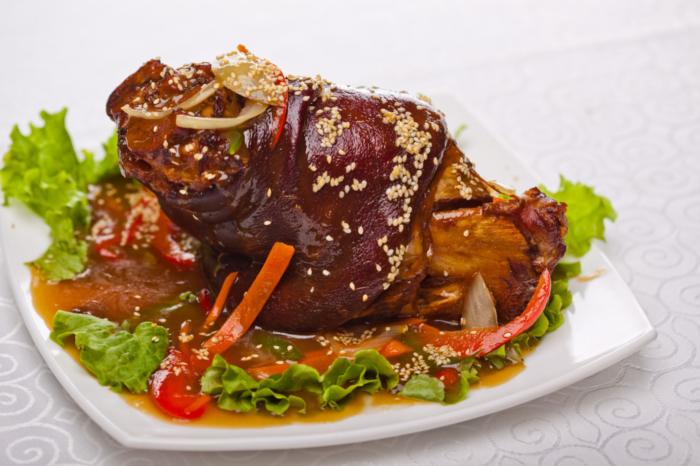 Свиная рулька по-китайски