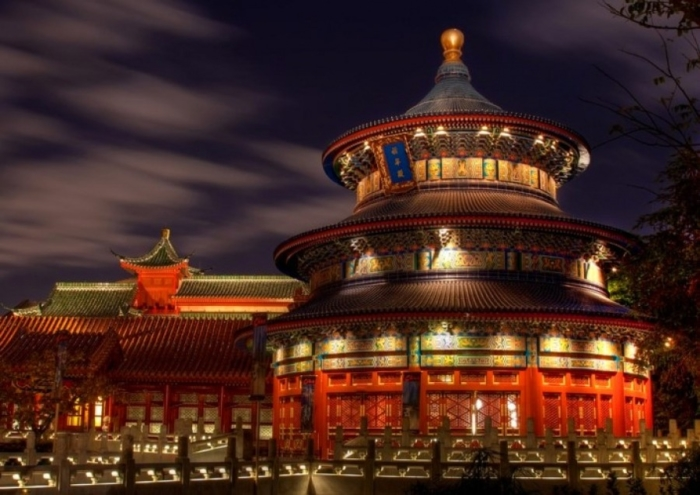 Подсветка храма Неба, в Китае, ночью