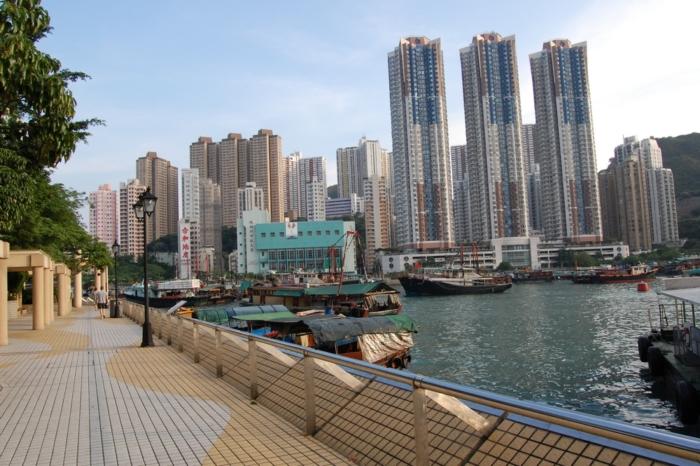 Причал в районе Абердин (Гонконг, Китай)