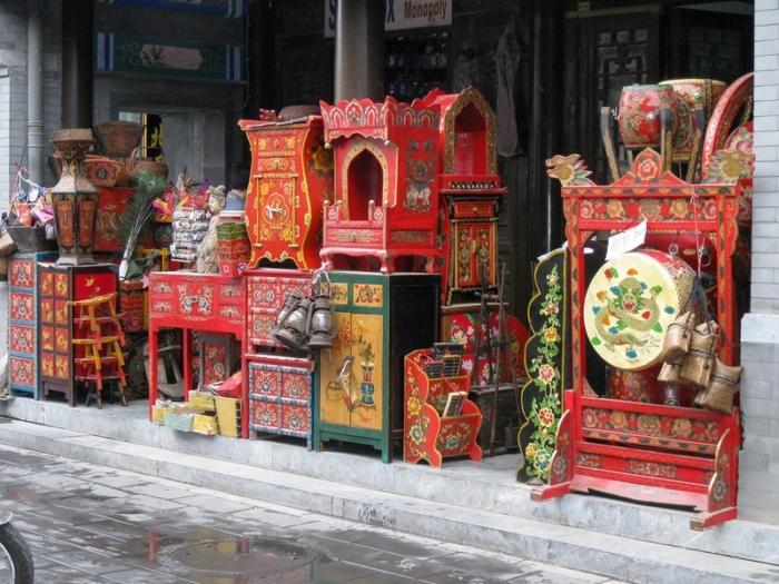 Один из магазинов на антикварном рынке Паньцзяюань
