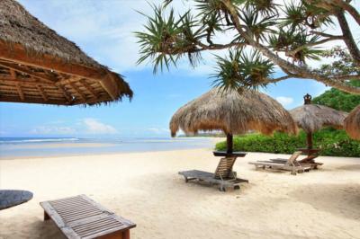 Знаменитый пляж Нуса Дуа
