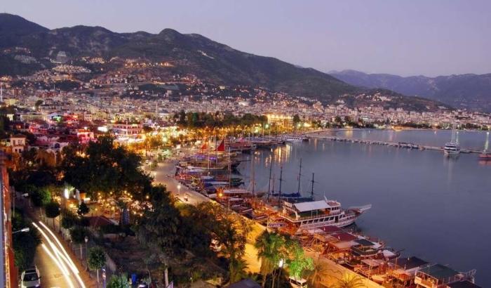 Ночные огни Аланьи (Турция)