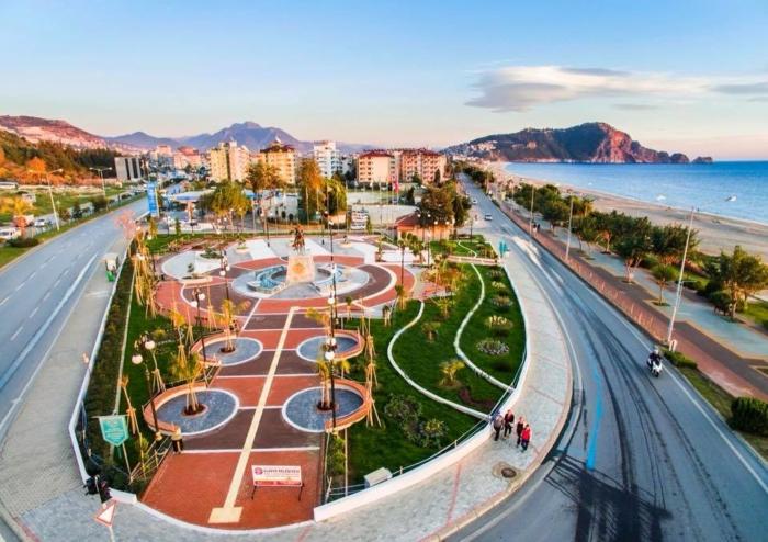 Парк посреди городской суеты
