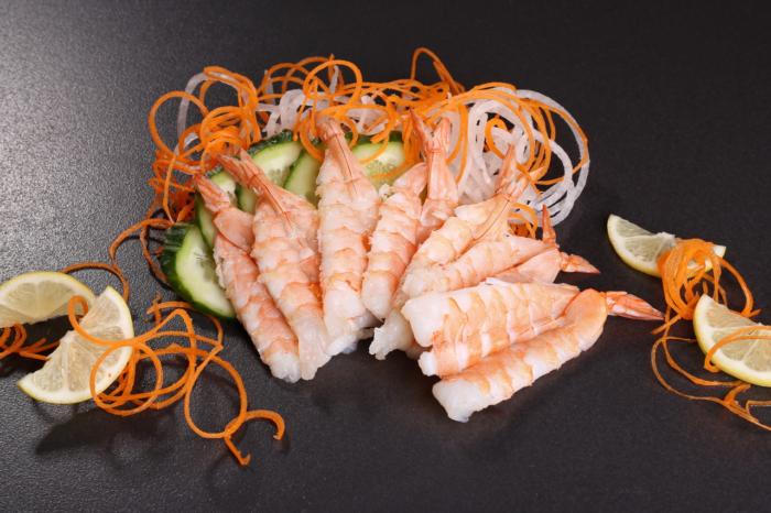 Традиционно японское блюдо — сашими с креветками