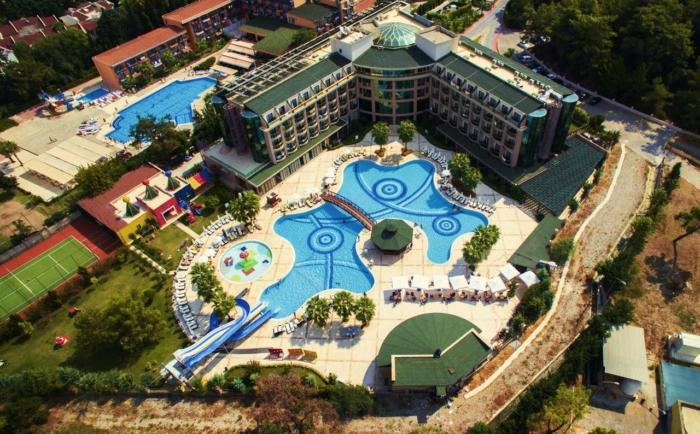 Вид на территорию отеля Эльдар Резорт в Турции с высоты птичьего полета