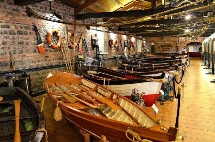Лодки в Рахми Коча