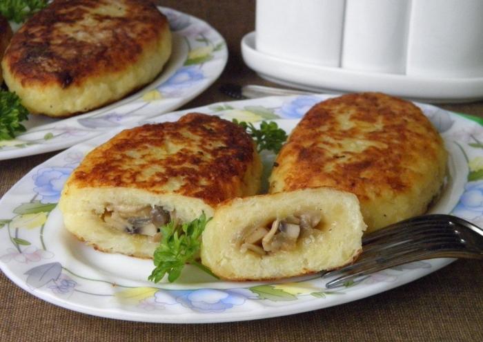 Зразы из картошки с грибной начинкой