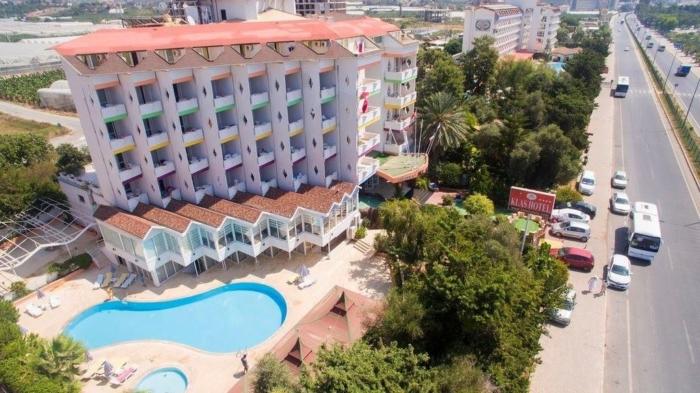 Klas Hotel расположенный у дороги